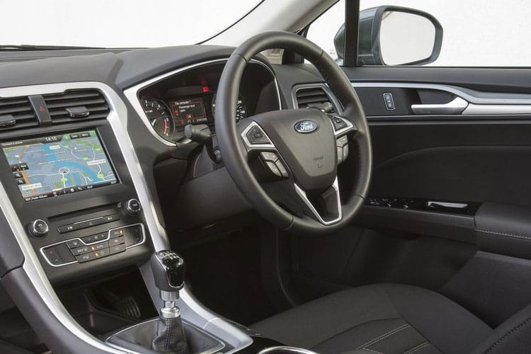 Ford Mondeo Hatch 5Dr 2.0 EcoBlue 150PS ST-Line Edition 5Dr Manual [Start Stop] inside view